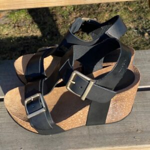 Amust Laura Plateau sandal Sort